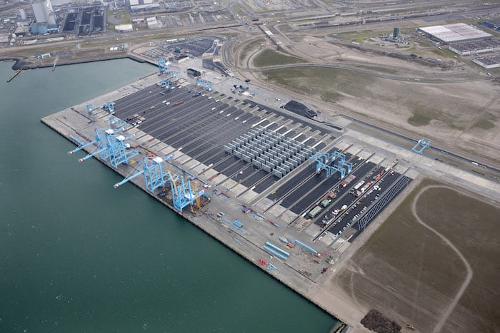 Automated container port