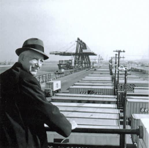 Malcolm_McLean_at_railing,_Port_Newark