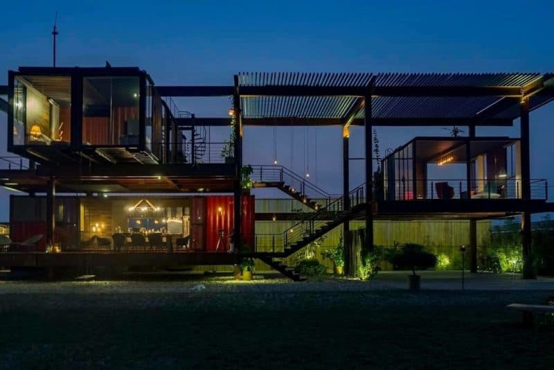 A Lightweight Chill Out Container Home in Dhaka